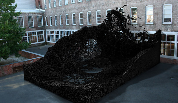 A site-specific sculpture by Federico Diaz