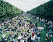 "Massimo Vitali, ""Picnic Allée,"" 2000.Courtesy of the artist."