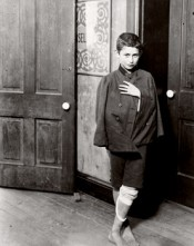 "Lewis Hine, ""Waiting for the dispensary to open. Hull House District, Chicago,"" 1910. Gelatin silver print.*"