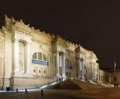 Night façade, the Metropolitan Museum of Art. © The Metropolitan Museum of Art.