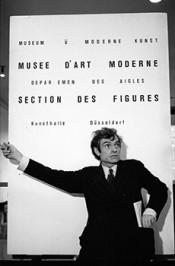 Marcel Broodthaers, Musée d'Art Moderne Département des Aigles, Section des Figures, Städtische Kunsthalle, Düsseldorf. Photo: Maria Gilissen.