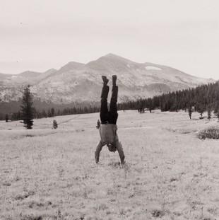 Robert Kinmont, 8 Natural Handstands (detail), 1969/2005. Photograph. Image courtesy of Alexander and Bonin, New York. Photo: Joerg Lohse.